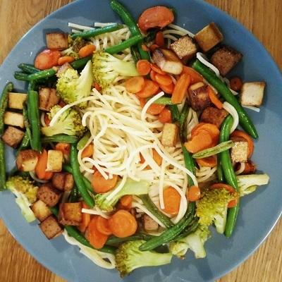 spaghetti-au-tofu-fume-et-aux-petits-legumes-thumbnail.jpg
